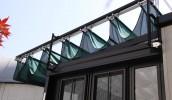 サンルーム上部の開閉式テントにe-shadeを採用